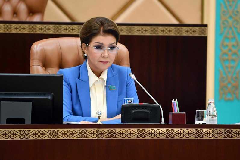 Сенат депутаты Дариға Назарбаеваның өкілеттігі тоқтады