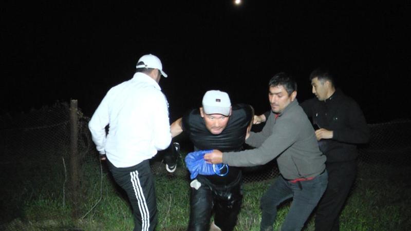 Мақтааралға тасқын сумен ағып келген өзбекстандықты ауыл тұрғындары құтқарған