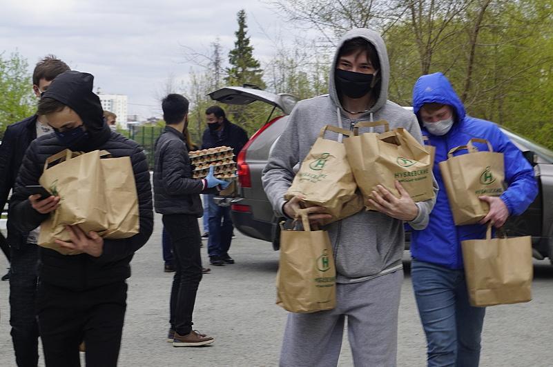 Түмен қазақтары пандемия жағдайында қазақстандық студенттерге көмек көрсетуде