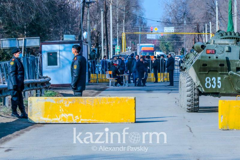 Заградительные посты убрали с дорог в Алматы