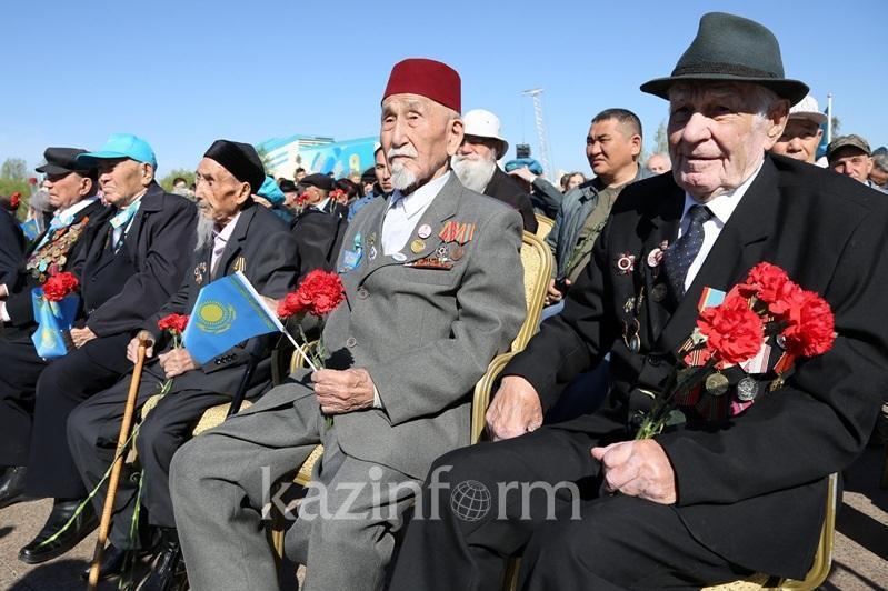 哈国二战老兵仍有1025人在世