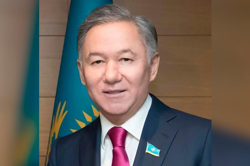 Нурлан Нигматулин поздравил казахстанцев с 75-летием Великой Победы
