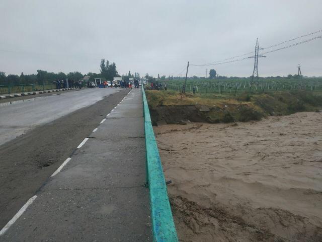 Ўзбекистонда сел туфайли яна 900 нафар одам эвакуация қилинди
