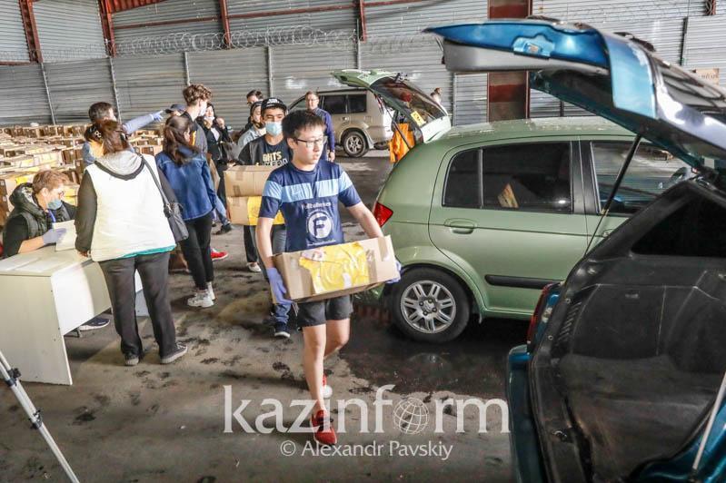 Almatyda az qamtylǵan bes myń otbasyna azyq-túlik taratylady