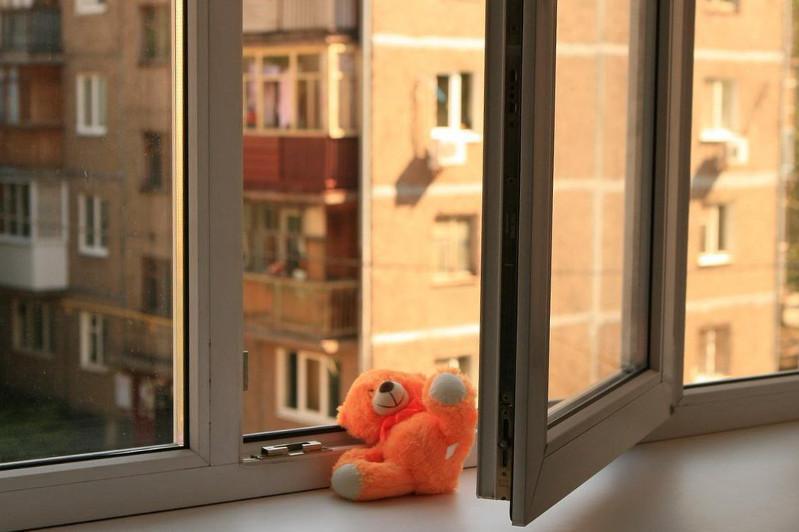14 children drop out of windows in Kazakhstan