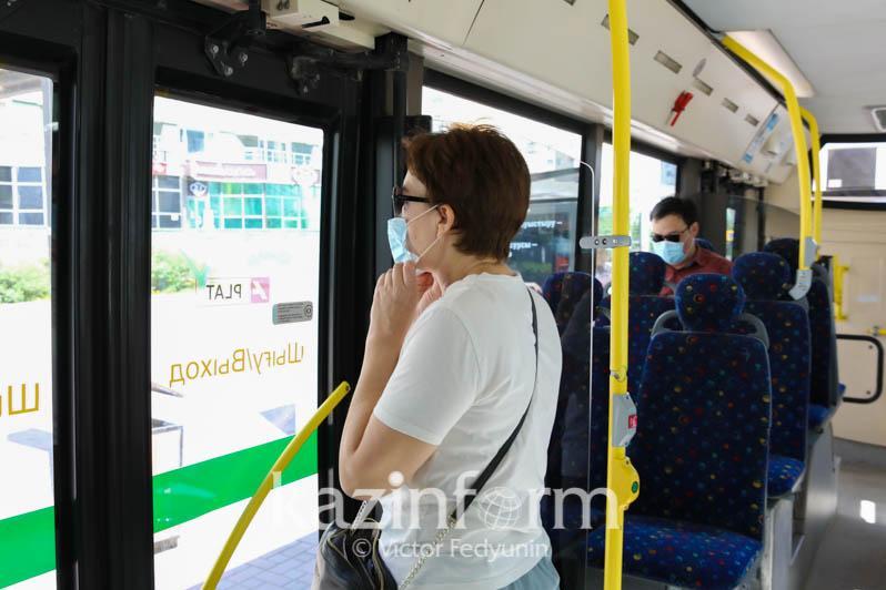 Жандарбек Бекшин адам толы автобусқа мінбеуге кеңес берді
