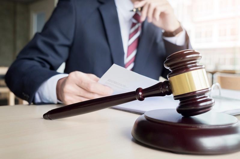 Адвокаттарға сот процесі бойынша жеке және заңды тұлғалардың дерегін тексеретін құрал ұсынылды
