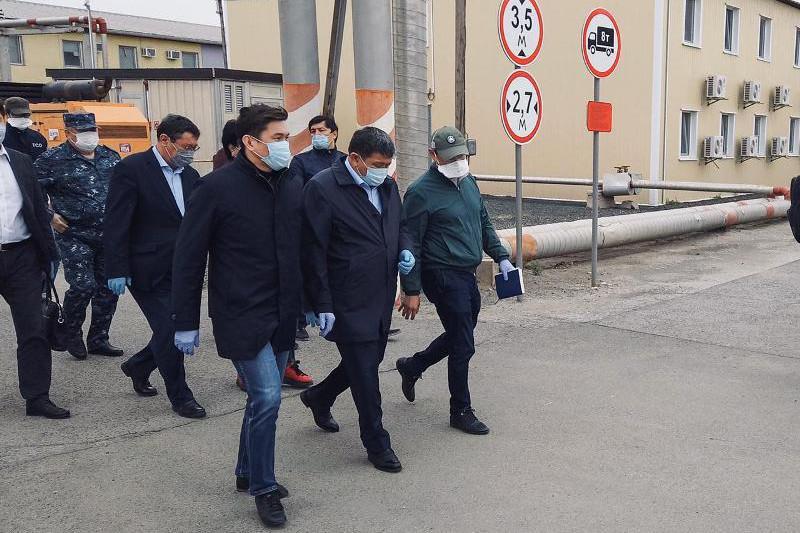Атырау облысының әкімі Теңіз кенішінде шұғыл жиын өткізді