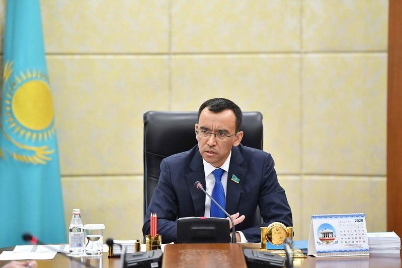 Существенно облегчается процесс регистрации политических партий – Маулен Ашимбаев