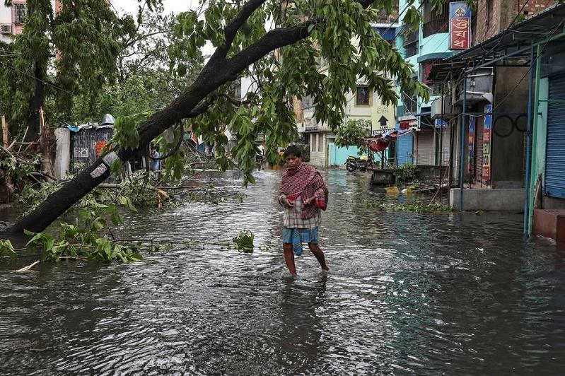 Амфан циклонысалдарынан Үндістан мен Бангладеште 14 адам қаза тапты