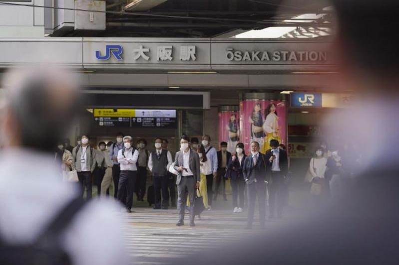 Abe lifts coronavirus emergency in Osaka, nearby areas