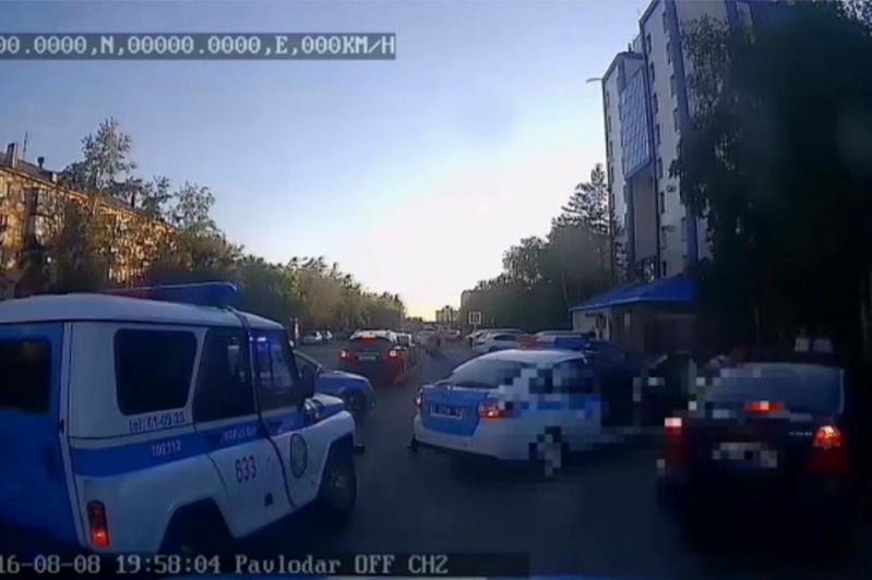 Шесть автопатрулей участвовали в погоне за пьяным водителем в Павлодаре