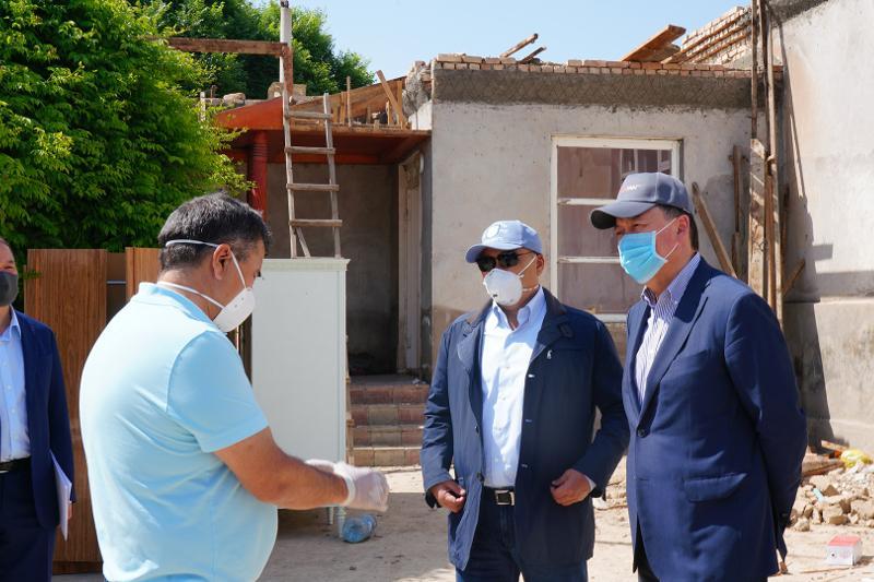 Аскар Мамин проинспектировал восстановительные работы в Мактааральском районе