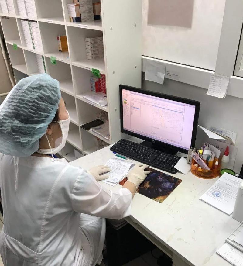В поликлиниках Уральска пациентам, стоящим на учёте, лекарства выдаются онлайн