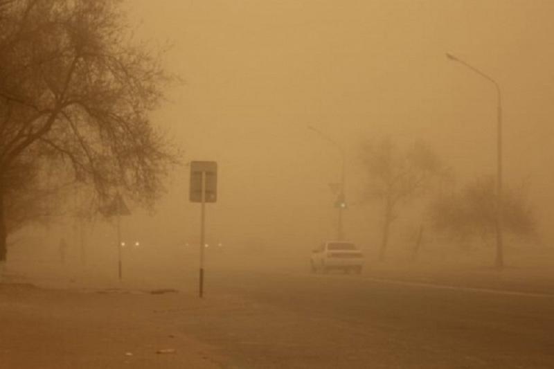 Ветер и пыльная буря ожидаются в выходные дни в Казахстане