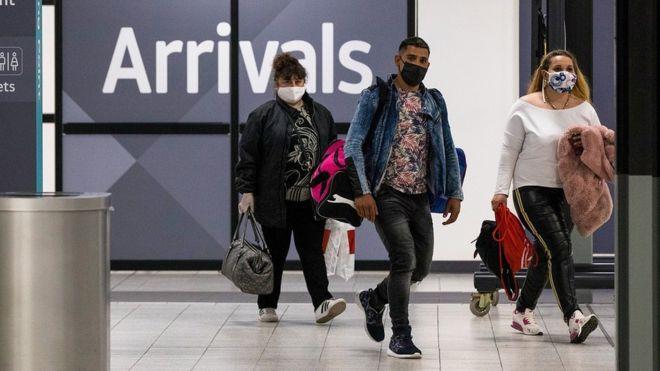 Коронавирус: прибывающих в Британию обяжут самоизолироваться