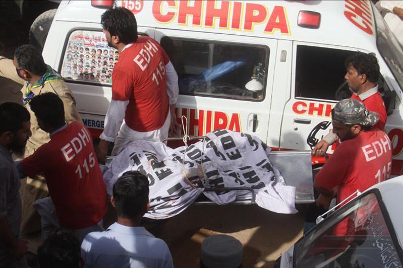 巴基斯坦坠机事件致97人死亡 两人幸存