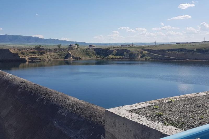 Строительство Кызылагашского водохранилища будет завершено в текущем году