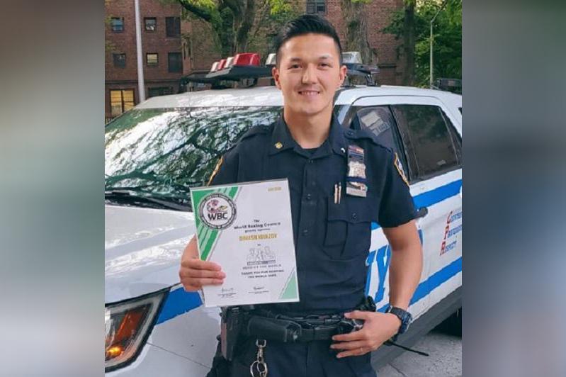 Нью-Йорктегі қазақ полицейі «Әлем қаһарманы» атанды