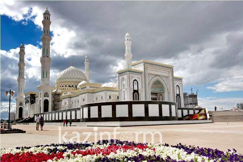 Ораза айт празднуют в Казахстане