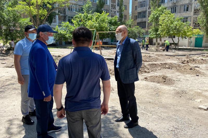 Бердібек Сапарбаев Тараздағы сапасыз жолдарды қайта жөндеуді тапсырды