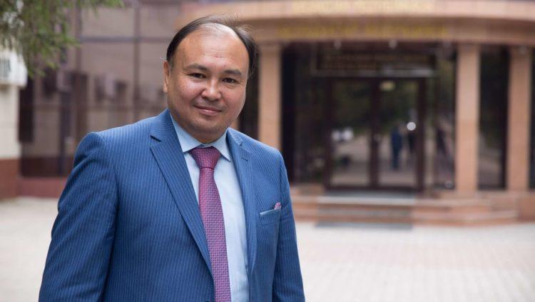 Квоты для женщин и молодежи повысят политическую активность казахстанцев – Ерлан Саиров