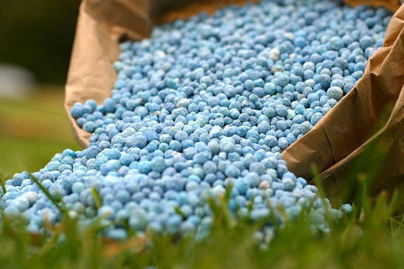 До 2,8 млрд субсидий  дополнительно выделено на покупку минеральных удобрений - Минсельхоз