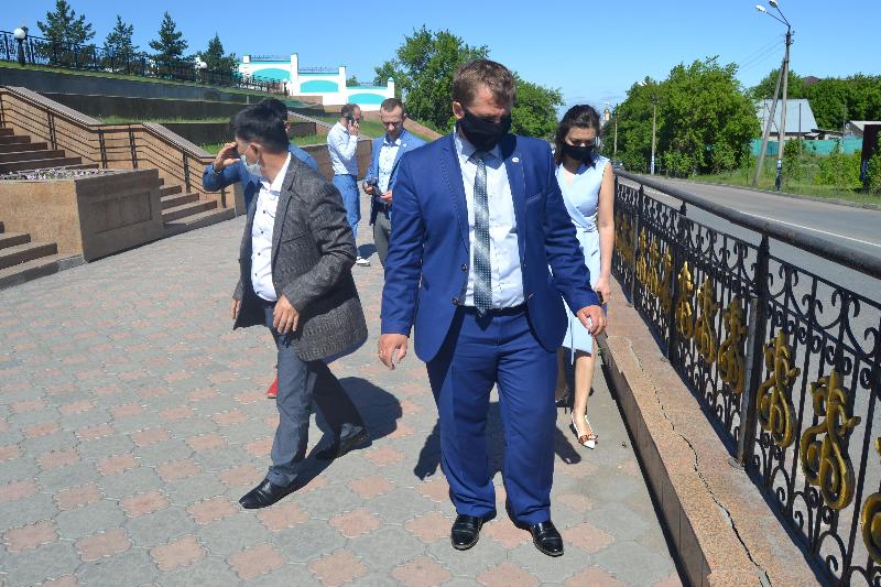 Общественники проверили ремонт резиденции Абылай хана в Петропавловске