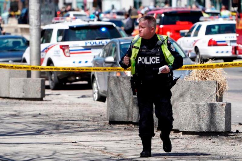 В центре Торонто в результате стрельбы один человек убит, есть раненые