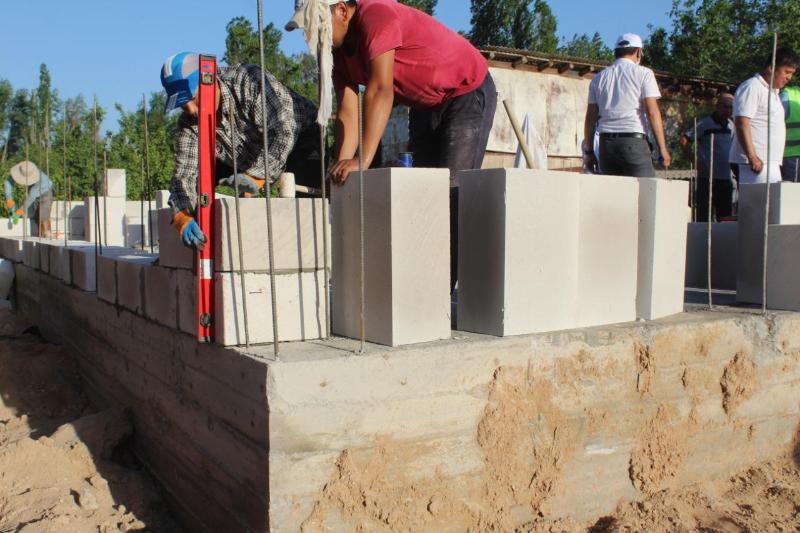 В Толебийском районе восстанавливают разрушенные селевым потоком дома