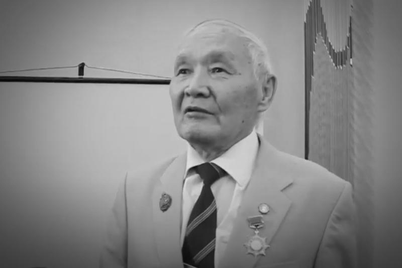 Танымал түрколог Кеңесбай Мұсаев дүниеден өтті