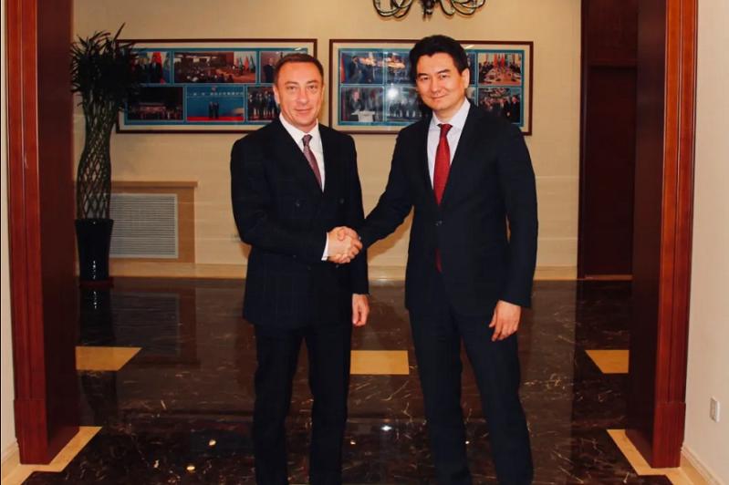 驻华大使霍伊什巴耶夫会见白俄罗斯驻华大使