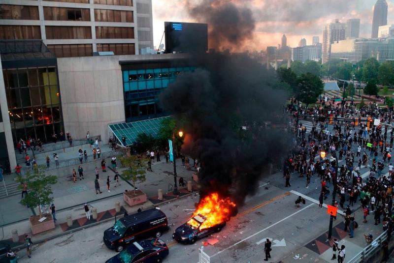 Города США охватили протесты из-за гибели Джорджа Флойда