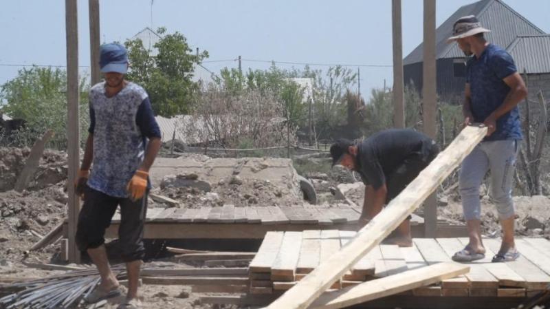 Мақтааралдағы су тасқыны: Фердауси ауылында үйлердің құрылысы басталды