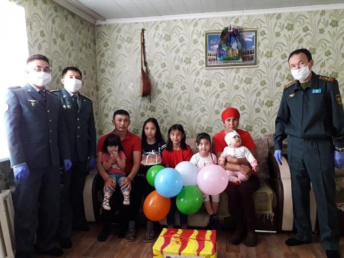 В преддверии Дня защиты детей офицеры поддержали семьи военнослужащих в ВКО