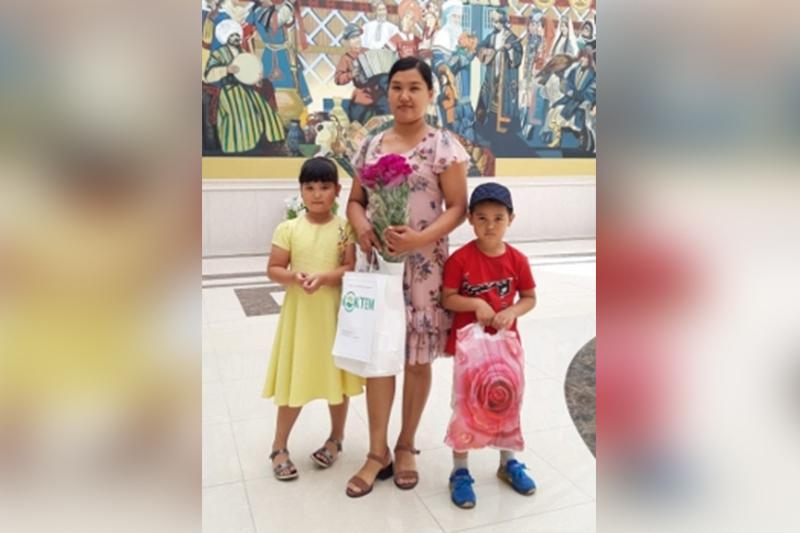Пять многодетных семей Караганды получили квартиры ко Дню защиты детей