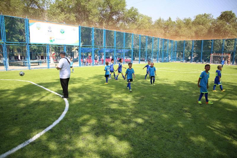 Три универсальные спортивные площадки открыли в Жамбылской области