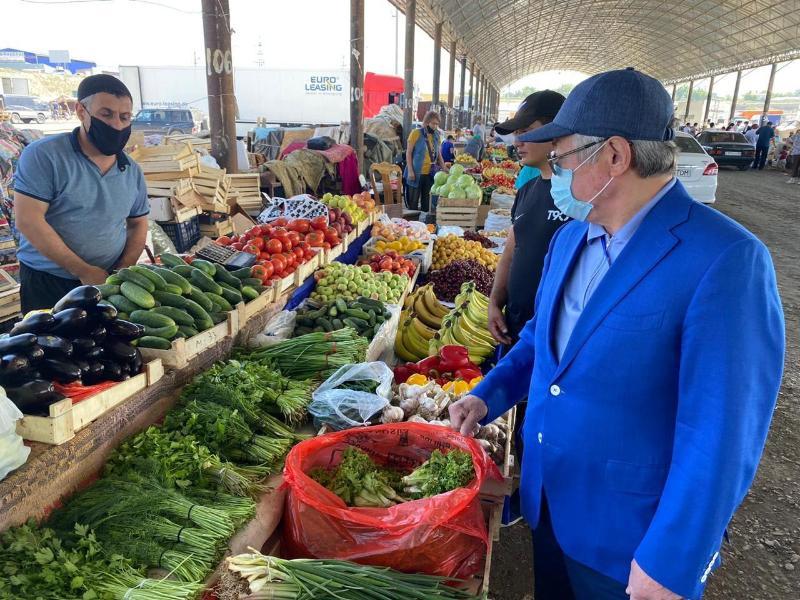 Бердібек Сапарбаев базар басшыларына ескерту жасады