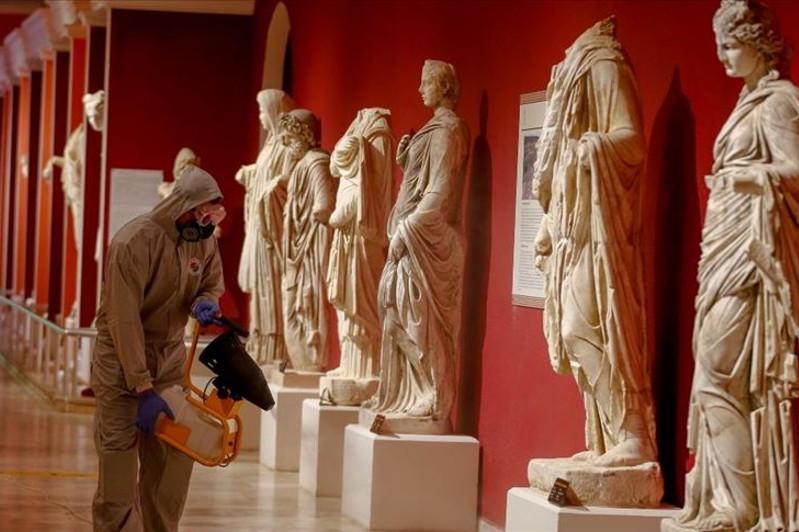 Анталияның музейлері дезинфекцияланып жатыр