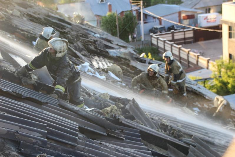 Более 300 раз за два дня выезжали на тушение пожаров огнеборцы Карагандинской области