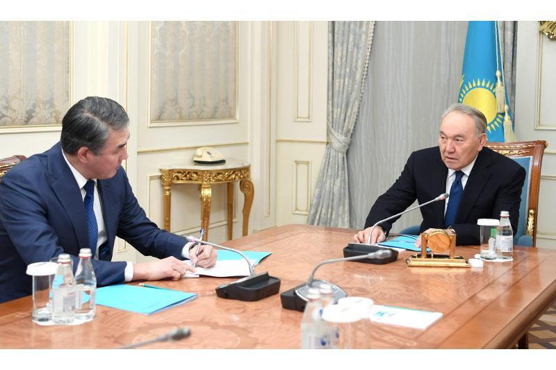 纳扎尔巴耶夫接见总统助理兼安全会议秘书