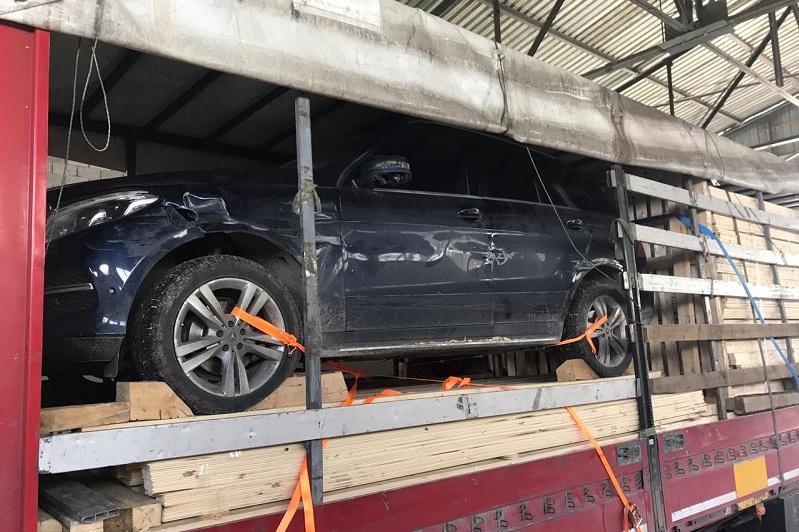 Предотвращен незаконный вывоз угнанного дорогого авто в Кыргызстан