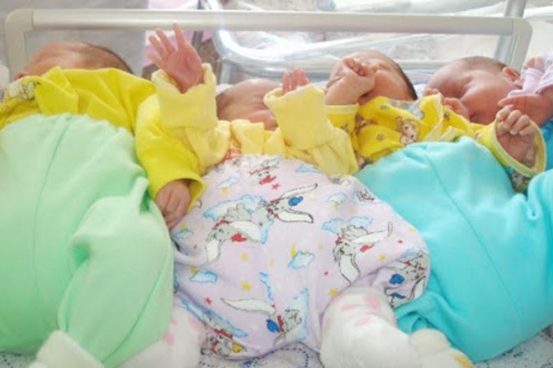 Четверо двойняшек родились в Павлодаре в начале лета