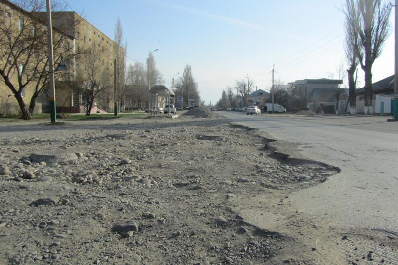 70 должностных лиц наказали за плохие дороги в Жамбылской области