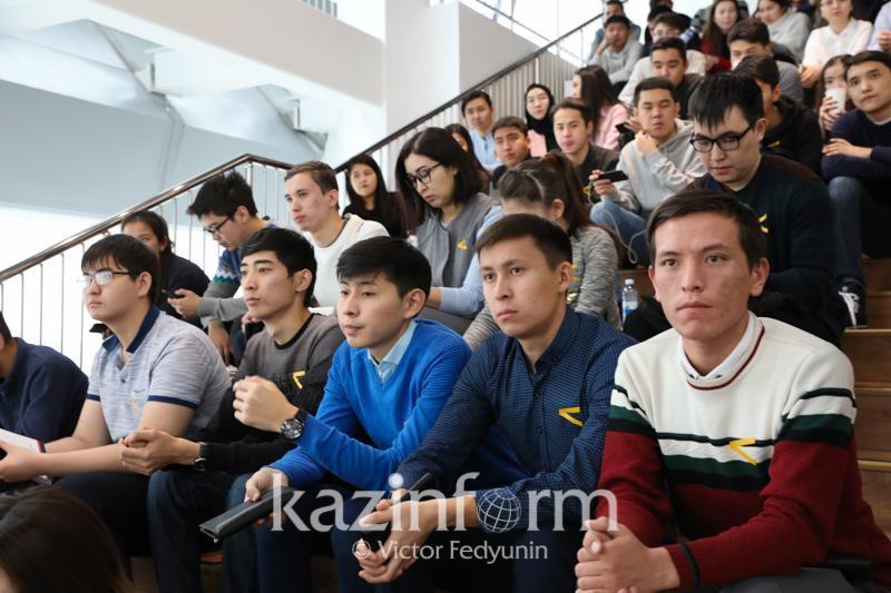 Новая молодежная программа «Медаль Елбасы» стартовала в РК