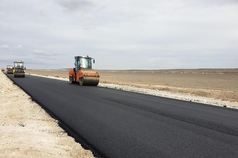 Автодорогу вдоль побережья Каспия реконструируют в Мангистауской области