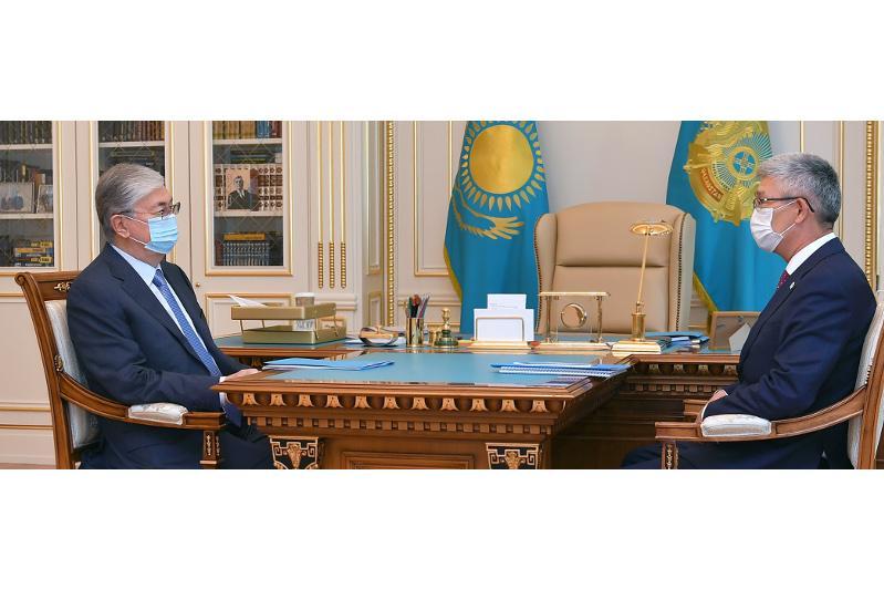 托卡耶夫总统接见曼格斯套州州长