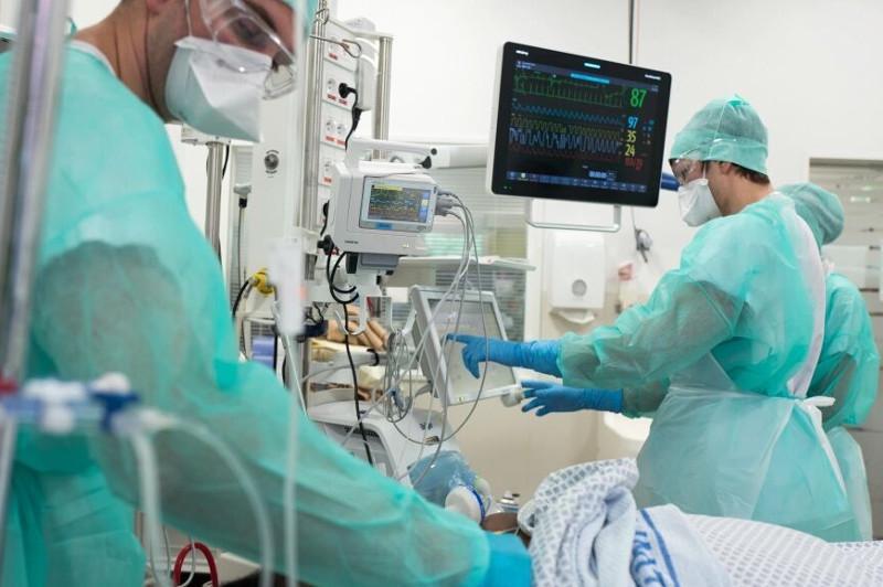 伊朗新冠肺炎累计死亡人数超过8千