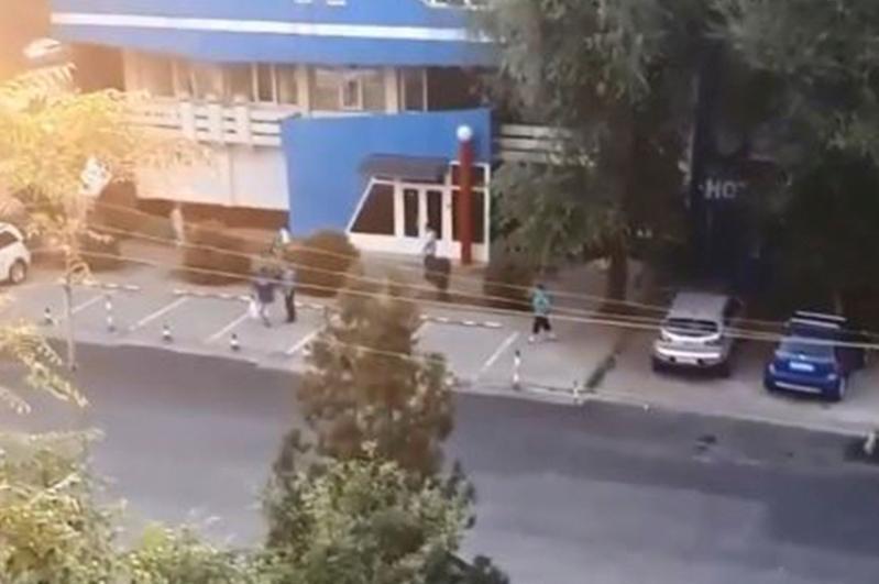 Стрельба произошла в Алматы: пострадал прохожий