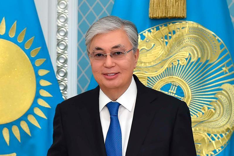 托卡耶夫总统向全国人民就国家象征日表示祝贺